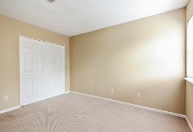 שירות בניה ושדרוג - Oak Park Ln - תמונת אחרי חדר שינה - פסיפיק הולדינגז