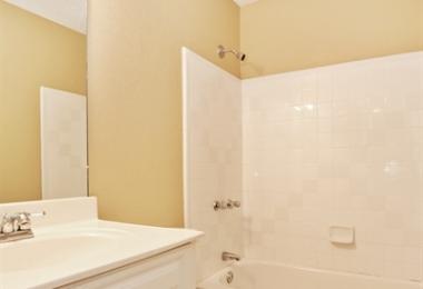 שירות בניה ושדרוג - Oak Park Ln - תמונת אחרי חדר אמבטיה - פסיפיק הולדינגז
