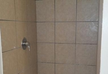 """שירותי בניה ושדרוג של דירות בארה""""ב: מקלחת דירה ב - Oklahoma City - פסיפיק הולדינגז"""