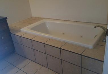 """שירותי בניה ושדרוג של דירות בארה""""ב: אמבטיית דירה ב - Oklahoma City - פסיפיק הולדינגז"""