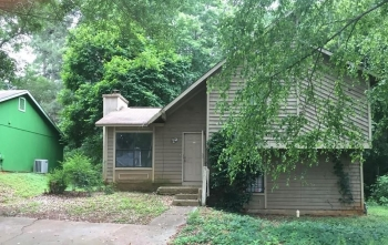 1058 Mainstreet Valley Dr, Stone Mountain, GA 30088